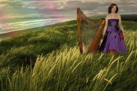 Orla with her harp.